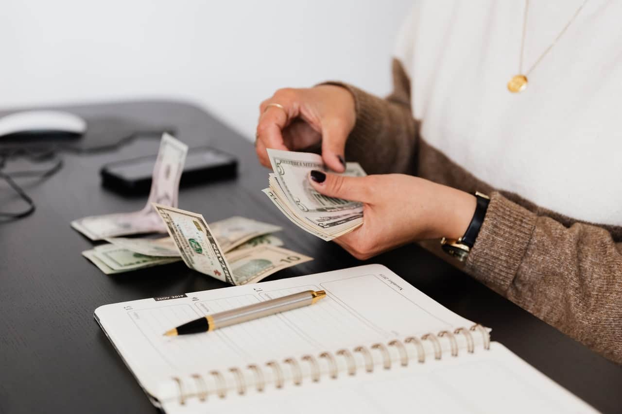 8 Actionable Tips to Help You Save Money on Rent